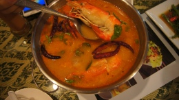 ~(tomyam kung) our dinner at Usman restaurant, sukhumvit, bangkok..